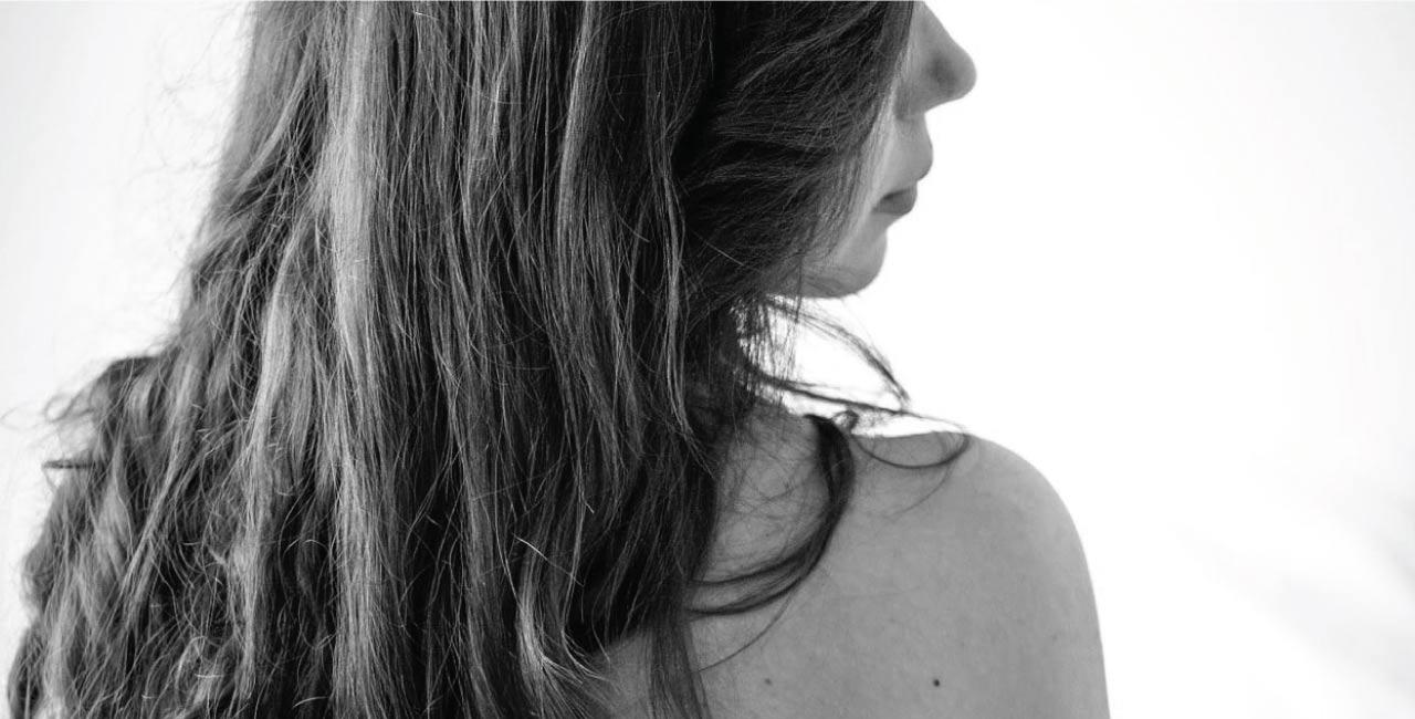 kvinne stikkende smerte i underlivet